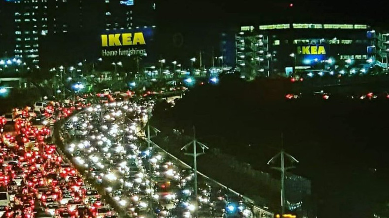This Traffic Jam Photo Went Viral On Twitter After Ikea Inaugurated