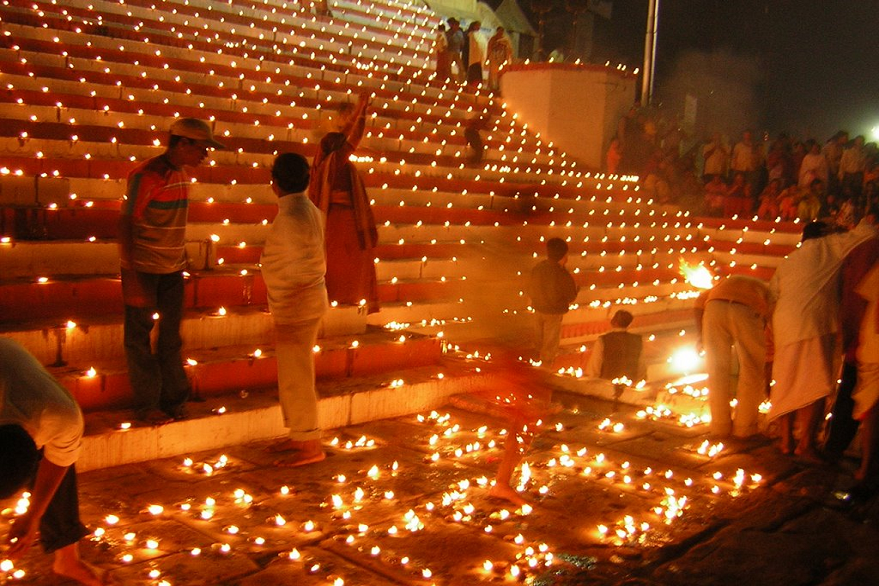 Dev Deepawali 2019: 6 lakh diyas to be lit in Lucknow's Gomti river today