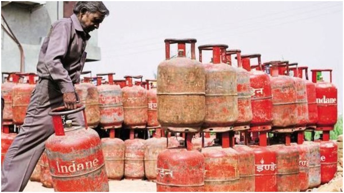 LPG cylinder prices see sharp hike, almost Rs 150 in Delhi, Mumbai