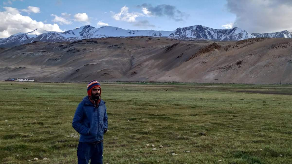 Mountaineer and Triathlete, Harshvardhan Joshi is on his way to attempt Mount Everest
