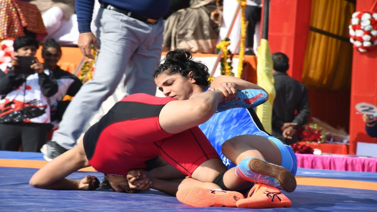 Asian Champion Divya and Sakshi Malik lost in the National Championship