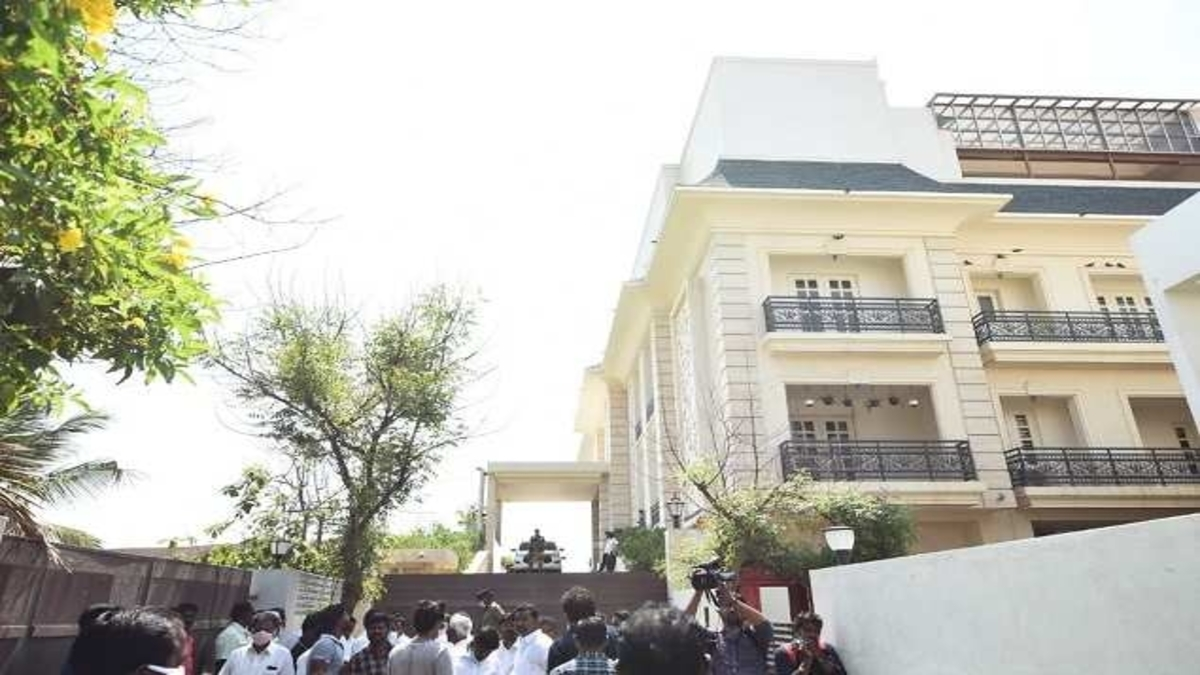 DMK criticises Centre for conducting 'income tax searches' at Stalin's daughter's house