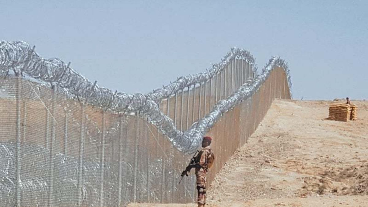 Pakistan to complete its fencing of border with Afghanistan by June end