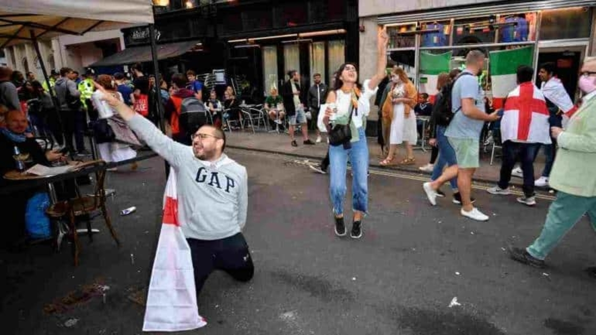 Euro 2020: Italy won the match but English fans lost their cool