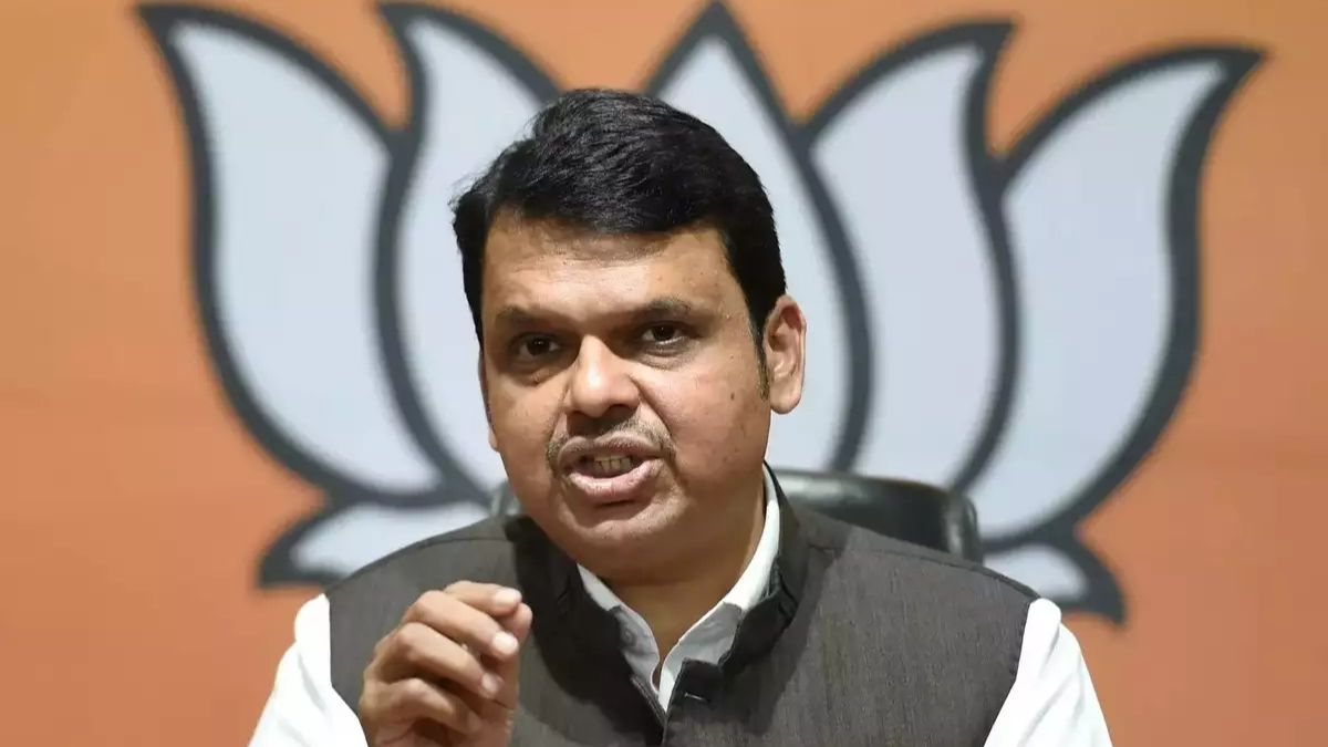 Nawab Malik trying to change narrative at someone's behest by bringing BJP's name, says Fadnavis on cruise party case